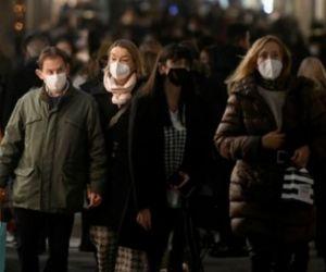 Las autoridades sanitarias advierten que la pandemia no ha terminado