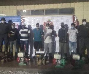 Hombres capturados por las autoridades en Ciénaga.