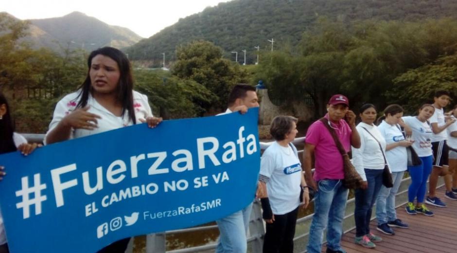 Cadena humana en apoyo a Rafael Martínez