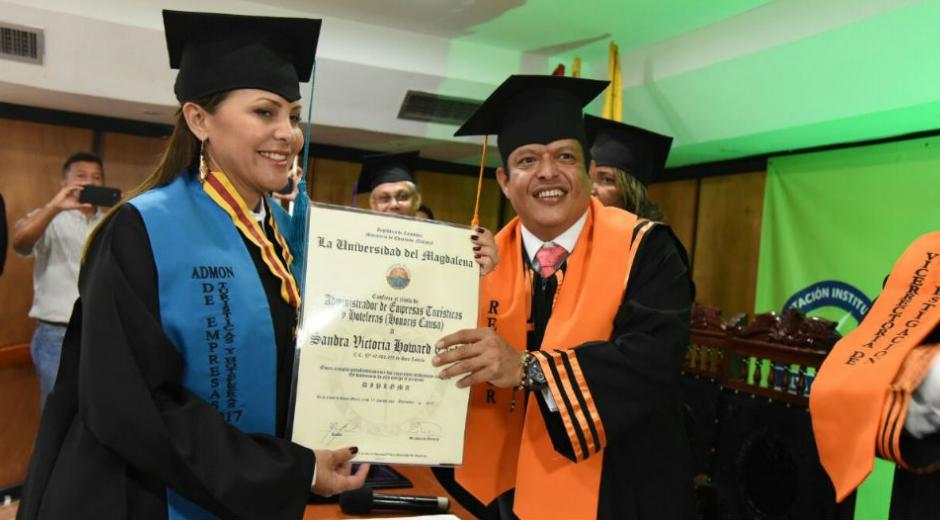 Viceministra de Turismo, Sandra Howard y Pablo Vera, Retor de la Universidad del Magdalena.