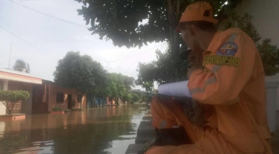 Continúa acentuado la emergencia en El Banco Magdalena, hasta el momento el saldo son tres casas destruidas, 13 barrios y 8 corregimientos afectados.