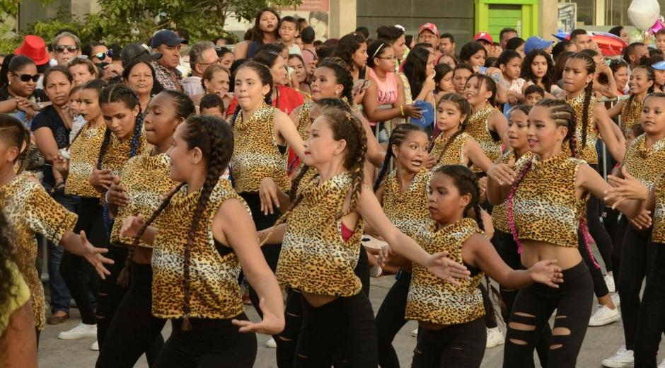 Los samarios disfrutaron de un colorido y hermoso desfile el pasado 28 de julio.