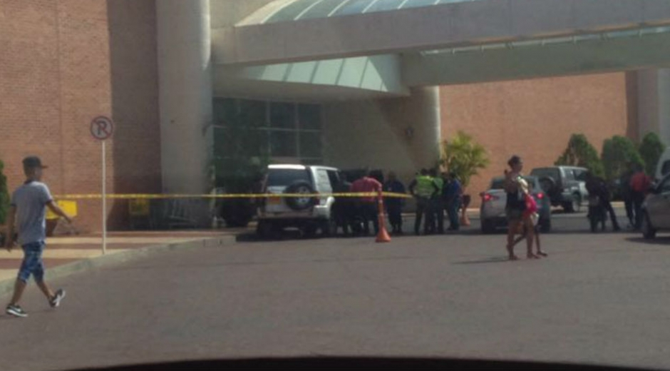 Más de 50 millones de pesos fueron hurtados en la entrada del centro comercial Buenavista.