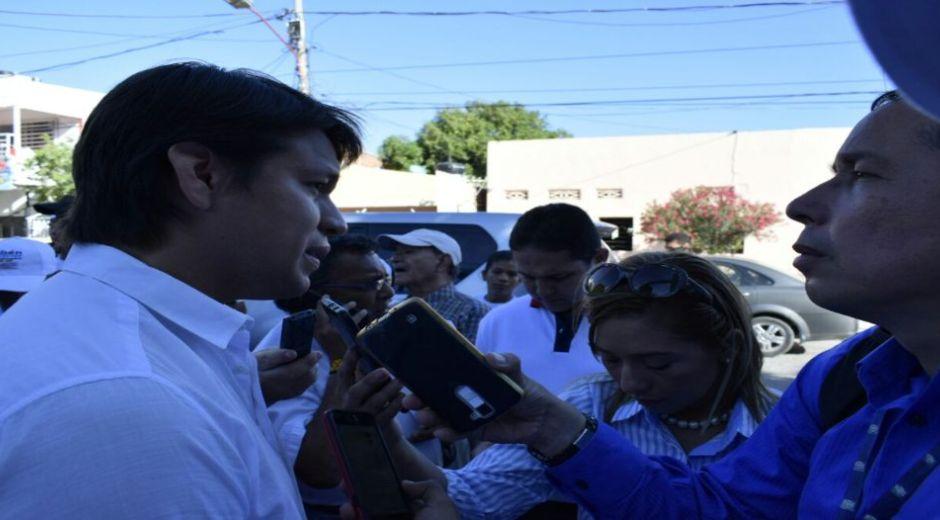 Rubén Jiménez atendiendo a entrevistas
