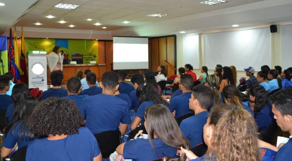 El evento que fue desarrollado en el auditorio Julio Otero Muñoz contó con la participación de Susana Fiorentino Gómez.