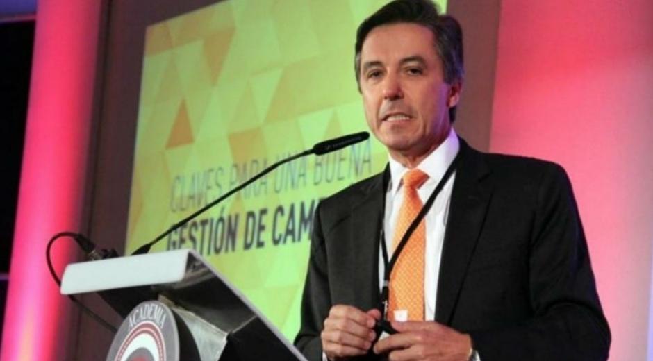 Prieto Uribe.