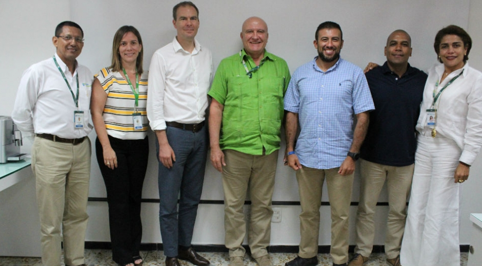 Visita de miembros de la Embajada de E.E.U.U.