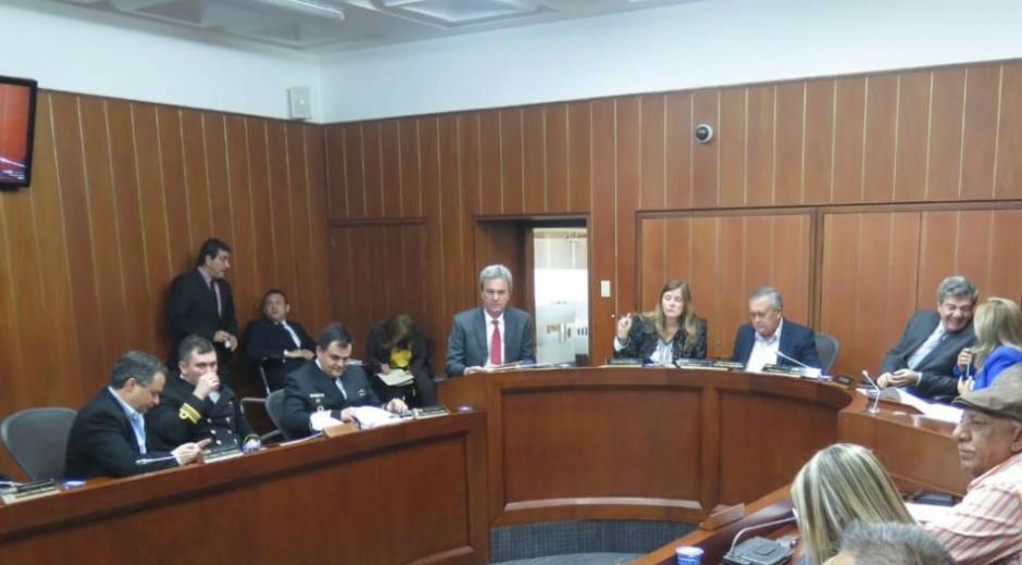 Reunión para debatir el tema ambiental de Taganga.