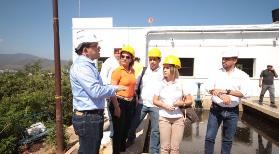 Visita del alcalde a la planta de Mamatoco.