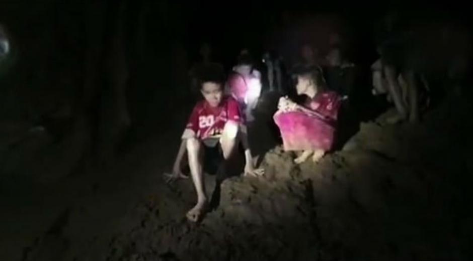 Estos niños quedaron atrapados desde el 23 de junio en una cueva.