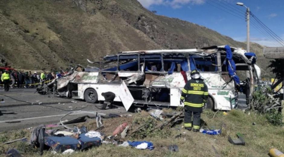 Bus accidentado en Ecuador.