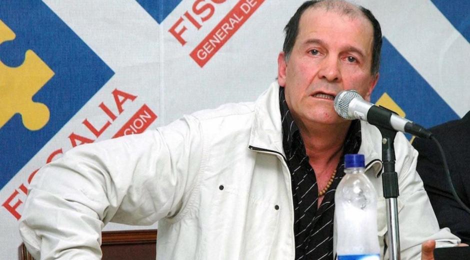 'Ernesto Báez'.