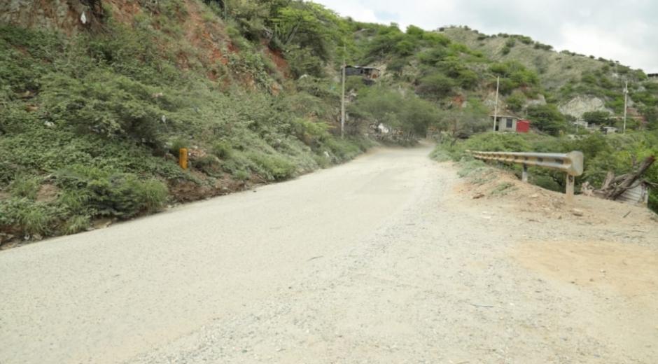 Vía que conduce a Taganga