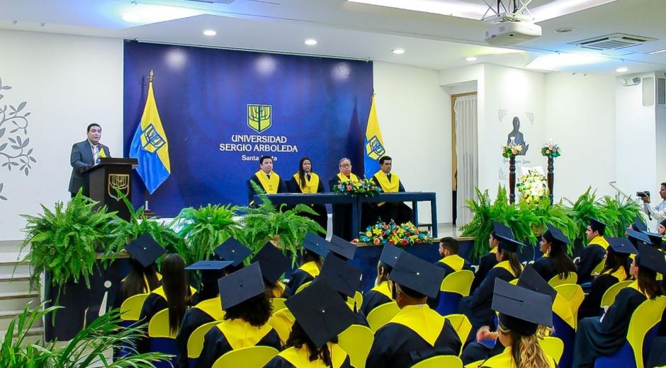 Ceremonia de graduación en la Sergio Arboleda, Santa Marta