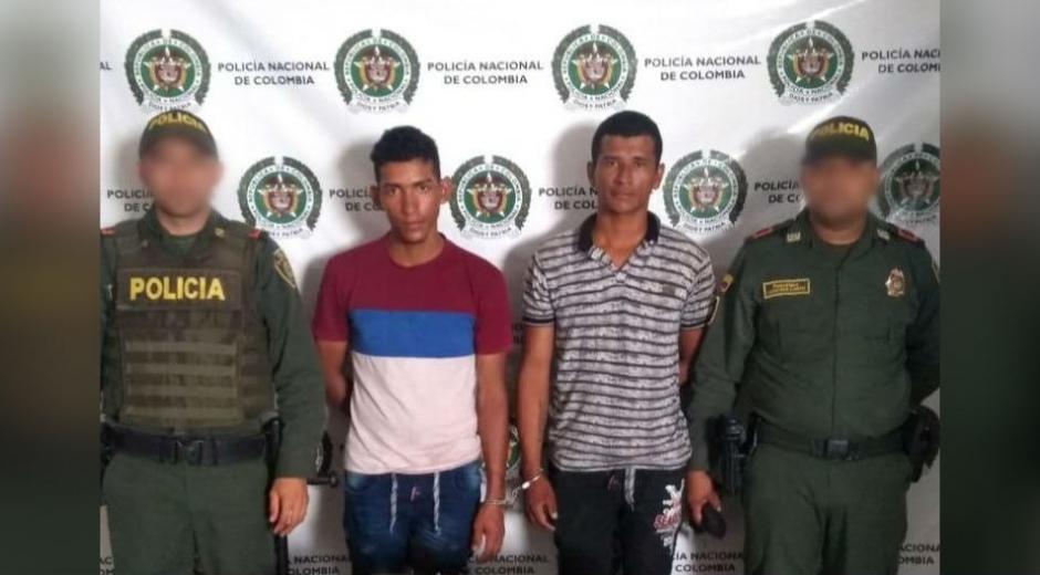 Los capturados junto con las dos armas de fuego, munición y los cuatro que presentan reporte como hurtados, fueron dejados a disposición de la autoridad competente.