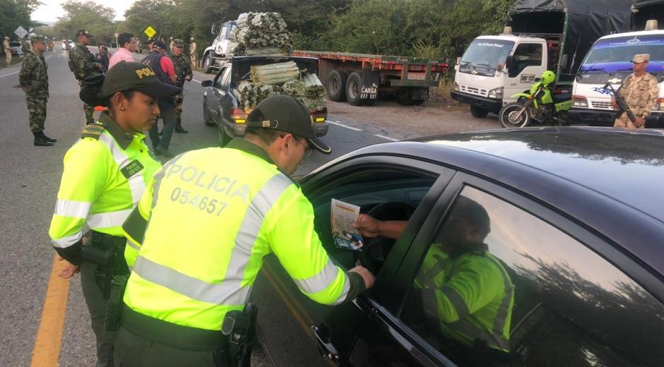 Policía realiza labores de control en vías de Santa Marta