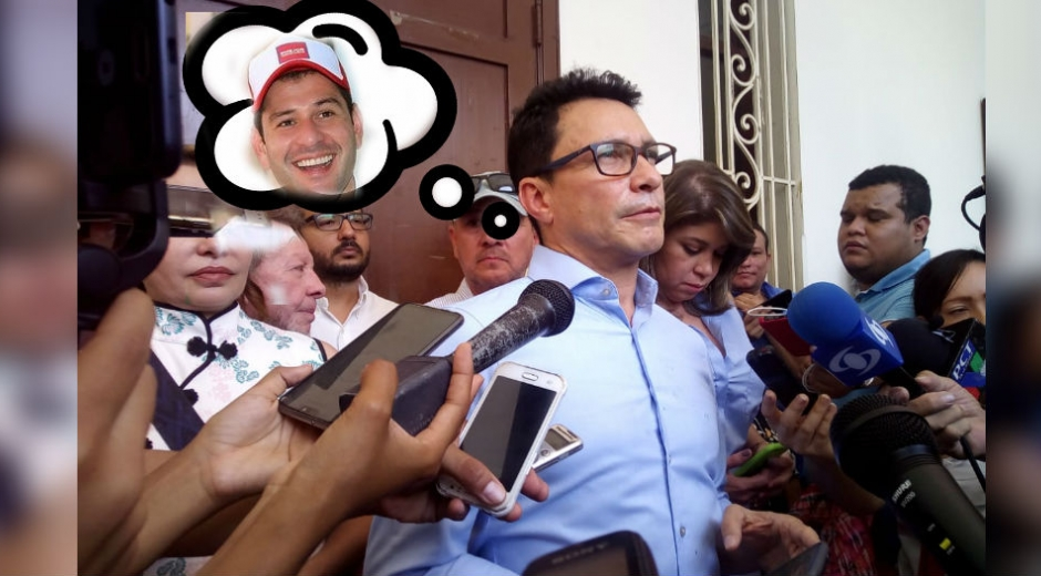 Carlos Caicedo Omar en rueda de prensa.