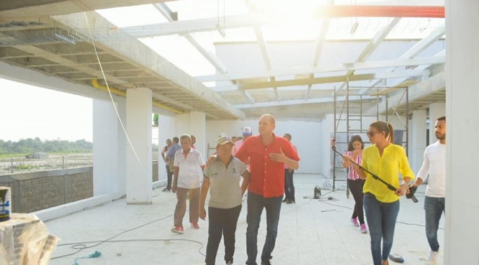 El Alcalde inspeccionó cada uno de los trabajos que se desarrollan en el proyecto.