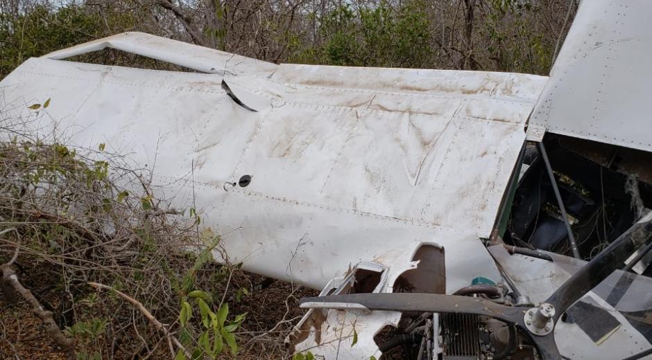 La avioneta sufrió un accidente en el momento del despegue y fue abandonada con 157 paquetes de clorhidrato de cocaína en su interior.