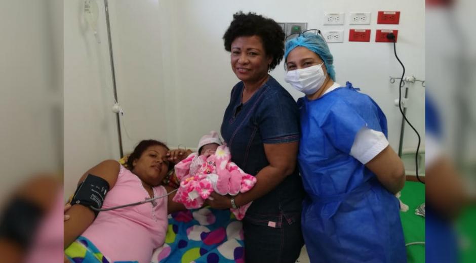 Llega al mundo la primera niña en el centro de salud de La Paz