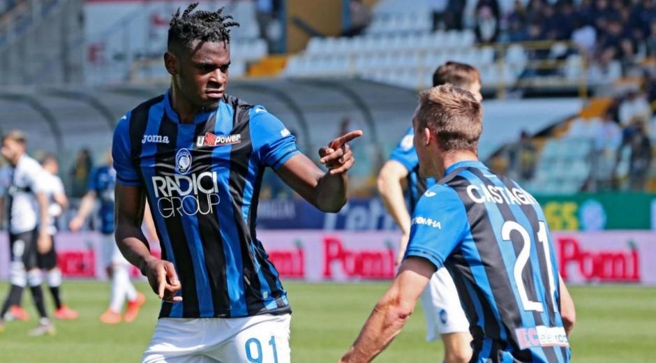 Duvan Zapata celebra el gol.