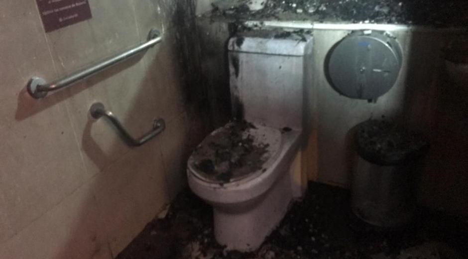 Los baños del local resultaron afectados