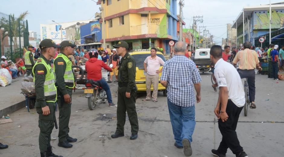 Operativo de la Policía en el Mercado Público.