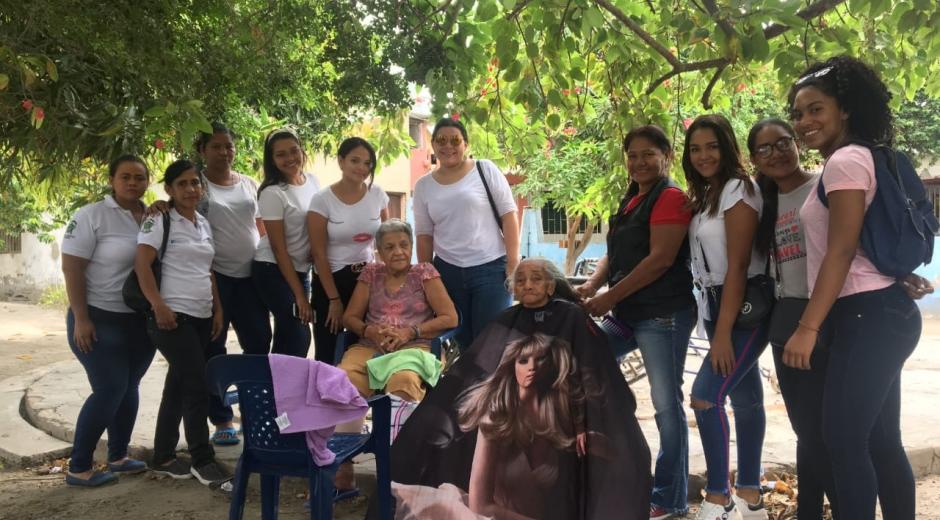 Estudiantes de Comunicación Social de la Sergio visitaron el asilo Sagrado Corazón de Jesús, de Ciénaga