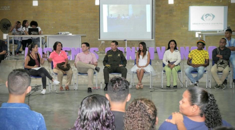 El conversatorio se realizó en la IED Pedagógico del Caribe, sede Ciudad Equidad