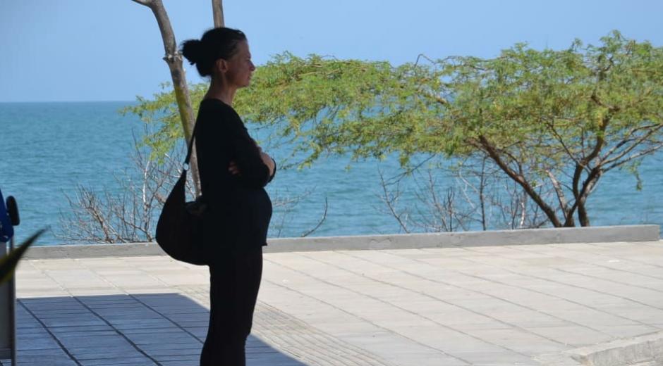 Ann, la ciudadana suiza que estuvo 6 días en el aeropuerto de Santa Marta a la espera de familiares que nunca llegaron.