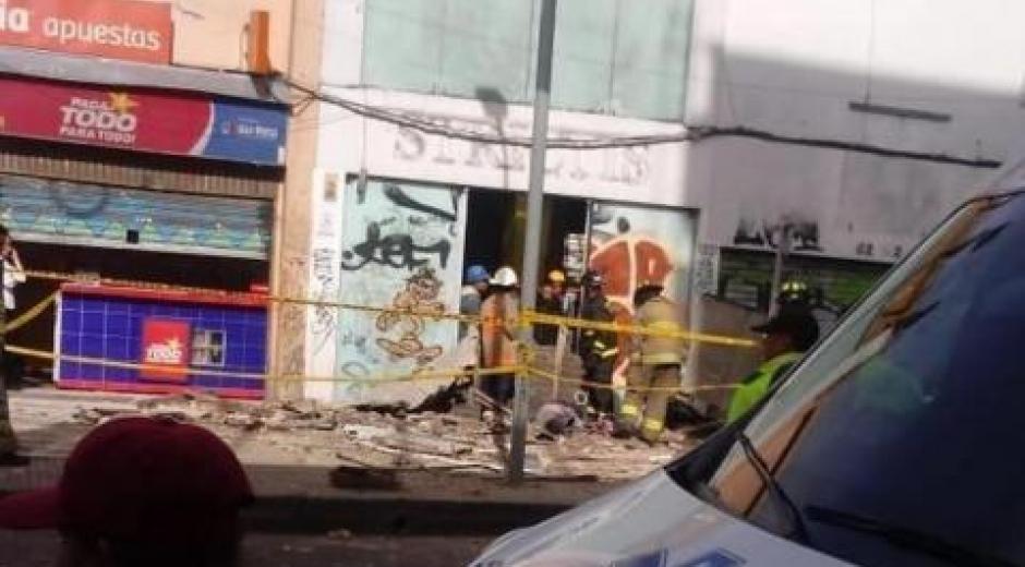 Colapso de fachada de edificio.