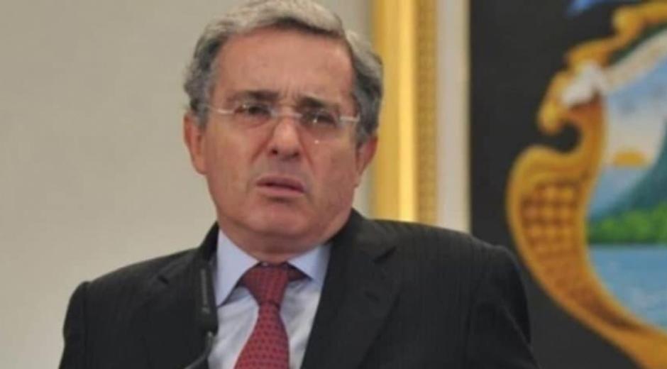Álvaro Uribe Vélez.