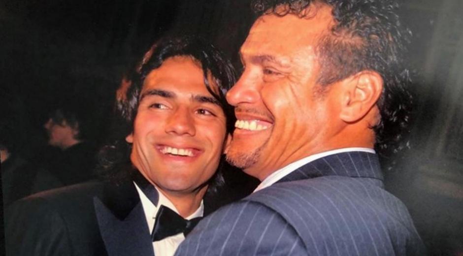 Radamel Falcao García y su padre.