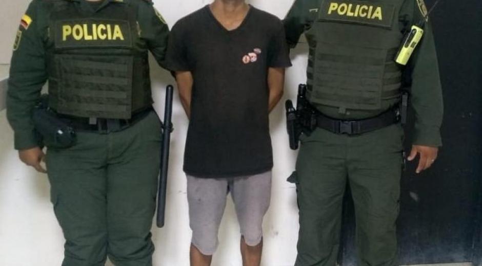 Este fue el joven capturado en medio de la riña intrafamiliar.