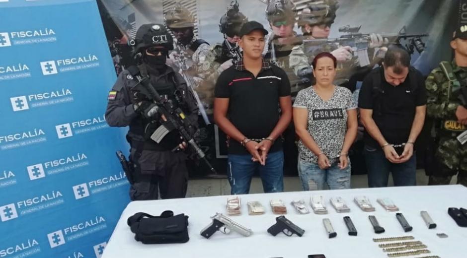 La hija de Giraldo fue capturado junto a otros dos acompañantes.
