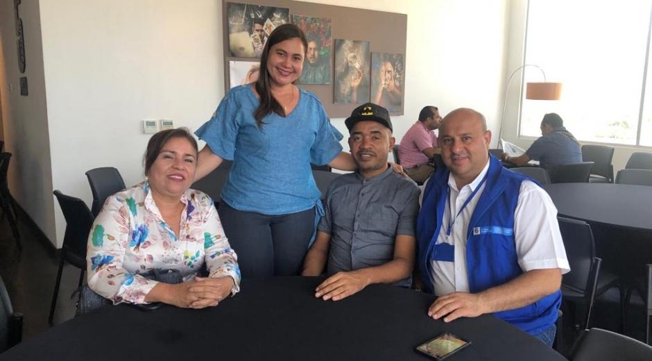 De derecha a izquiera: Jair Diaz Granados, director de la Unidad para las víctimas; Odorico Gutiérrez, líder de la mesa departamental de víctimas