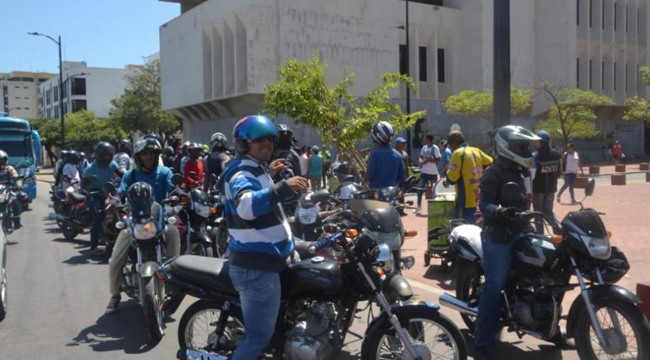 Motociclistas protestaron en su momento por la medida del 'Día sin moto'.
