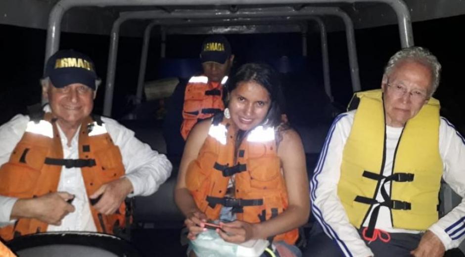 La Armada Nacional rescató al equipo de investigadores en el río Amazonas.