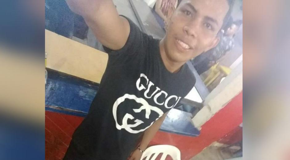 La víctima fue identificada como César Camilo Fernández Mejía, de 19 años de edad.