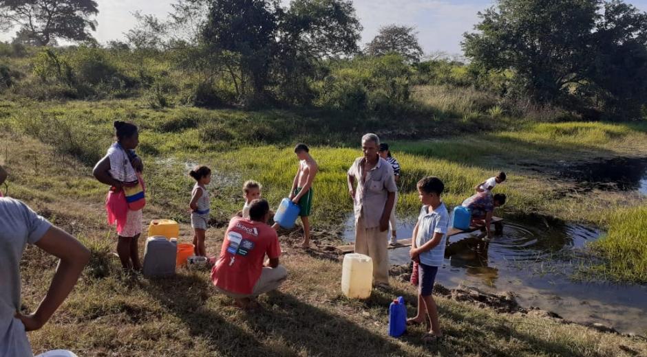Los pobladores de Salaminita tienen que tomar el agua de un jagüey