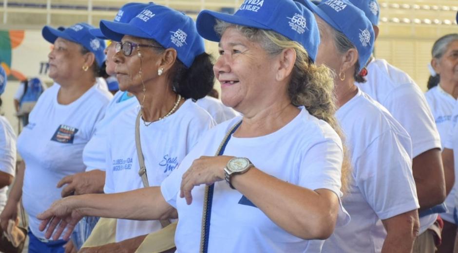 La Alcaldía está atendiendo la medida del Gobierno Nacional que indica que los abuelitos deben permanecer en casa.