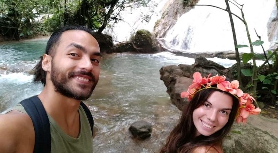 Los turistas piden ayuda para regresar a su país.