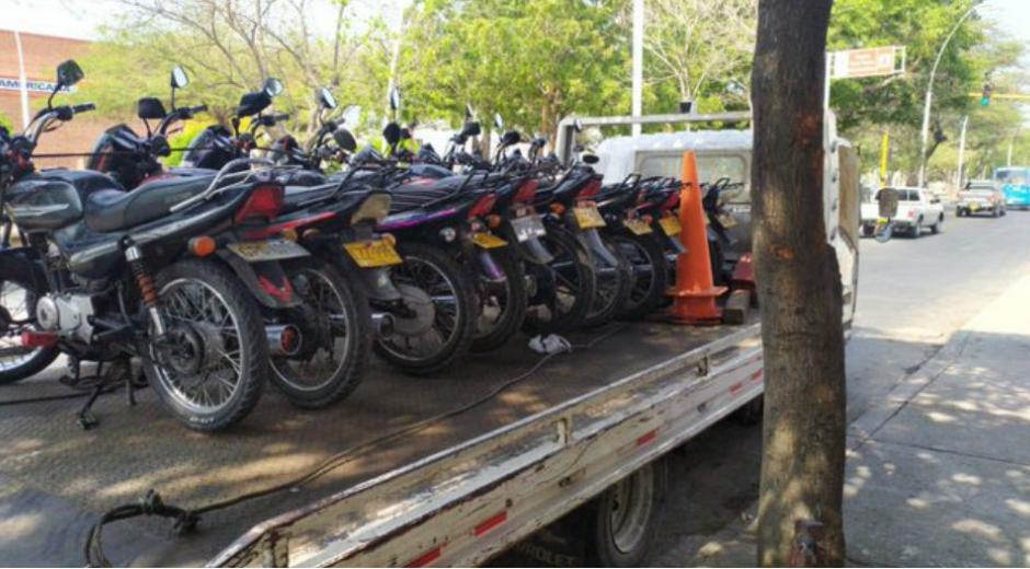 Motocicletas inmovilizadas en Santa Marta.