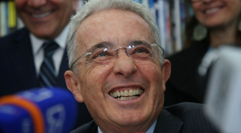 Álvaro Uribe, expresidente de la República y, ahora, exsenador.