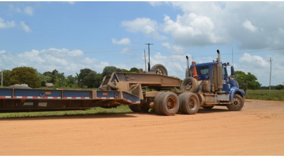 Los vehículos pesados están afectando las vías de Guamal y El Banco.