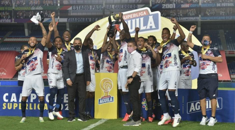 Junior de Barranquilla celebrando el nuevo título.