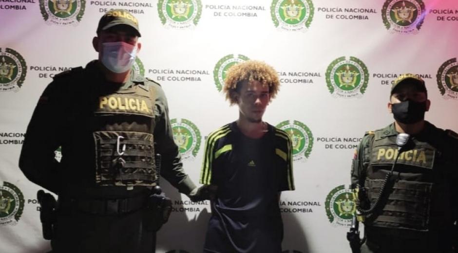 Capturado en el barrio El Pando por robar un celular
