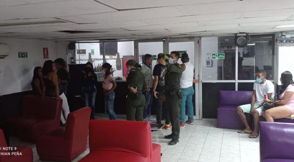 Momentos del operativo realizando por las autoridades.