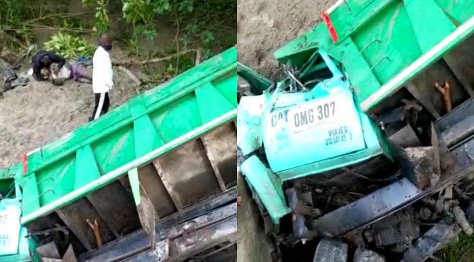 El vehículo cayó en una cuneta.