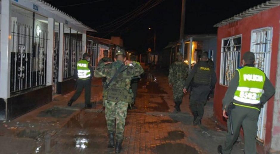 En diferentes sectores del área urbana la Policía y el Ejército están realizando allanamientos.